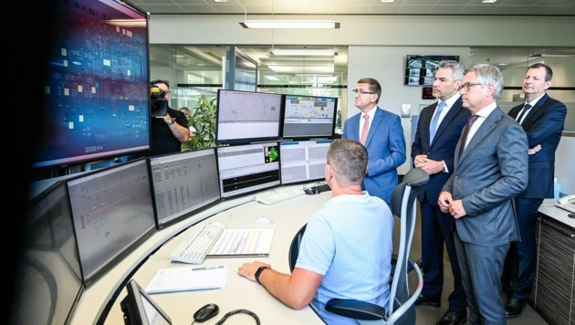 Das Netzführungszentrum der Netz Oberösterreich ist technisches Herzstück des Wiederaufbaus nach einem Blackout. (Bild: Alexander Schwarzl)