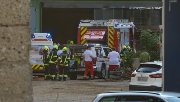Das Unfallopfer wurde nach dem Unglück reanimiert, starb im Spital (Bild: Matthias Lauber)