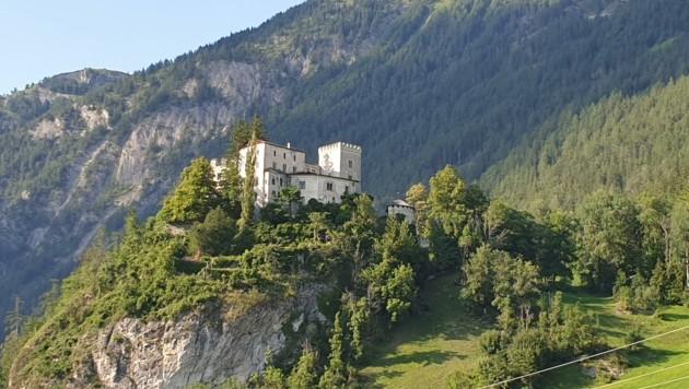 Geht es nach der FAG, können auch bald die Innenräume des Schlosses bewundert werden. (Bild: Martin Oberbichler)