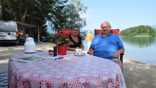 Renate und Lothar Hilge feierten am Campingplatz ihre Goldene Hochzeit. (Bild: Andreas Walcher)
