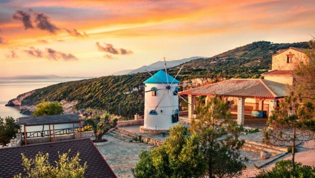Symbolbild: Die griechische Insel Zakynthos im Ionischen Meer ist bei Touristen aus der ganzen Welt sehr beliebt. (Bild: ©Andrew Mayovskyy - stock.adobe.com)