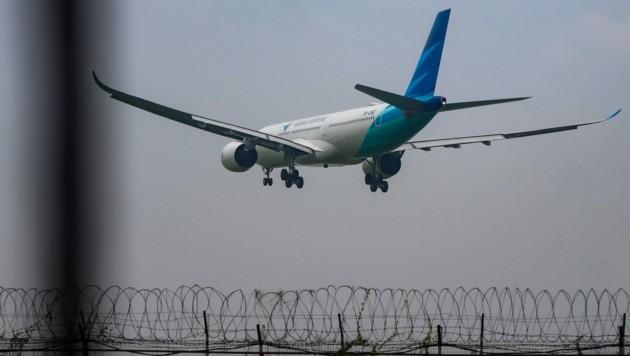 Fliegen darf in Indonesien nur, wer negativ auf das Coronavirus getestet wurde. (Bild: APA/AFP/FAJRIN RAHARJO)