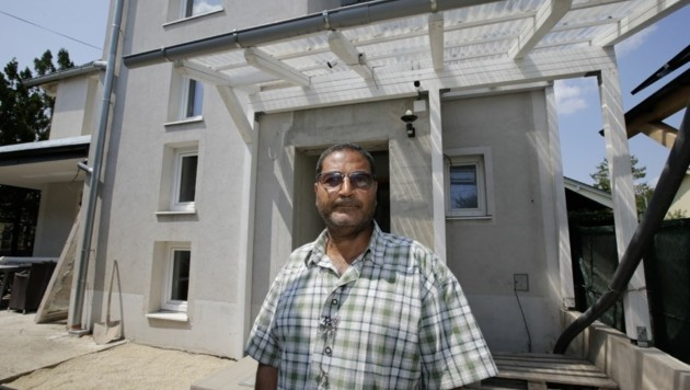 Breitenleer Straße: Auch Mahrous Haus blieb nicht verschont (Bild: Klemens Groh)