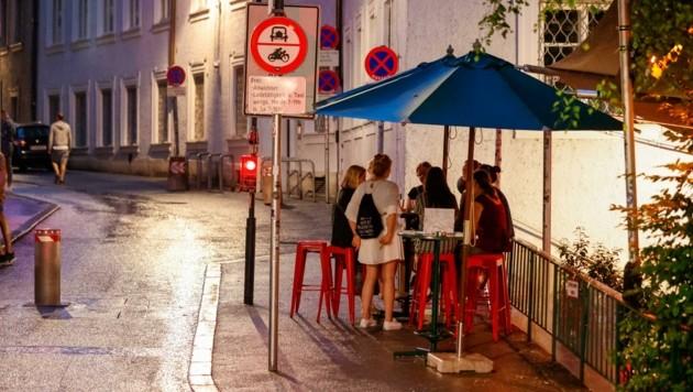 An diesem Wochenende blieb der sonst große Ansturm auf die Clubs und Bars deutlich aus. (Bild: Tschepp Markus)