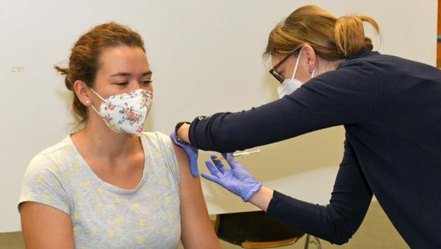 Impfen schützt vor einem schweren Krankheitsverlauf bei einer Corona-Ansteckung. (Bild: Wolfgang Spitzbart)