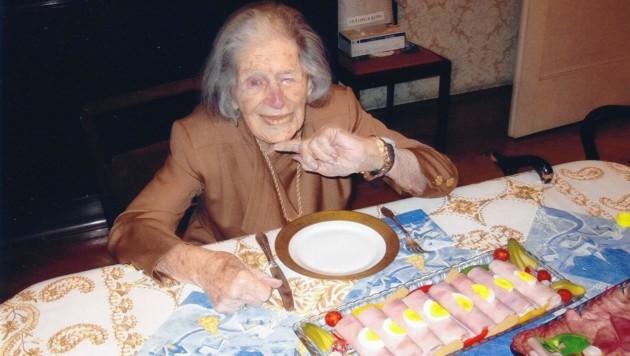 Hilda Swadlo im Jahr 2013. Eine feine, neugierige und lustige Millionärin. Sechs Jahre nach dieser Aufnahme starb sie. Und der Kampf ums Geld begann. (Bild: zVg)