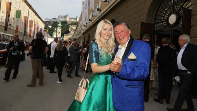 Richard Lugner besuchte mit Freundin Simone Reiländer die Premiere von Don Giovanni im Großen Festspielhaus. (Bild: Franz Neumayr / picturedesk.com)