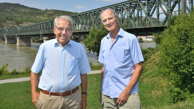 Knoll (li.) und Mayer fordern einen Neubau der Donaubrücke (Bild: Semrad Gregor)