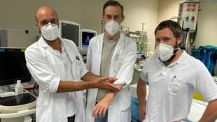 Mikrochirurgen-Team des Linzer KUK: Julian Mihalic, David Haslhofer und Martin Scherrer (v.l.) (Bild: KUK)