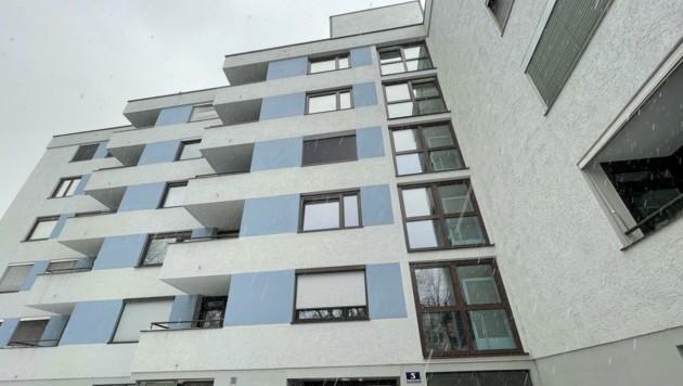 In diesem Wohnhaus in Salzburg-Schallmoos passierte die schreckliche Tat am 21. März (Bild: Tschepp Markus)