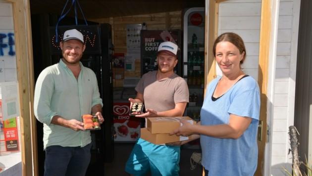 Christian Pobatschnig und Philipp Slowik von Die Fischerei und Maria Bauer. Ihr gehört das SB-Café in Podersdorf. (Bild: Charlotte Titz)