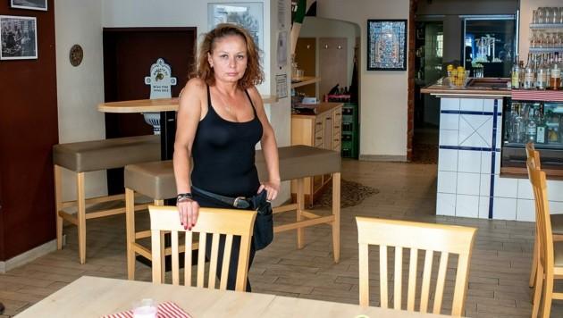 Rita Meiszeterics hält sich an die Corona-Regeln und verbucht einen Umsatzeinbruch von 50 Prozent. (Bild: Imre Antal)