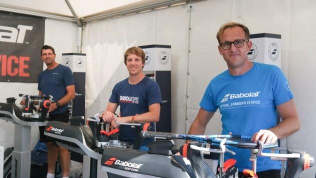 """Die Tiroler """"Bespannlegende"""" Walter, der Schweizer Kohler und Laposa (von links) sind in Kitzbühel seit dem Vorjahr zu dritt. (Bild: urbantschitsch mario)"""
