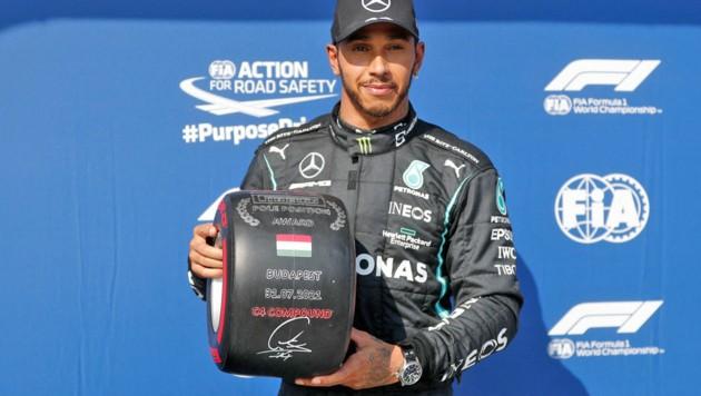 Lewis Hamilton jubelt über die Polein Qualifying (Bild: APA/AFP/POOL/DAVID W CERNY)