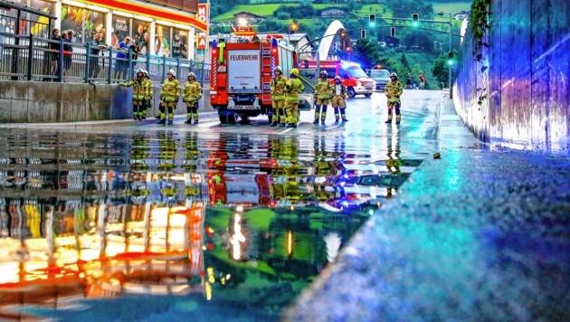 Die starken Gewitter samt Überschwemmungen forderten die örtlichen Feuerwehren. (Bild: GERHARD SCHIEL)