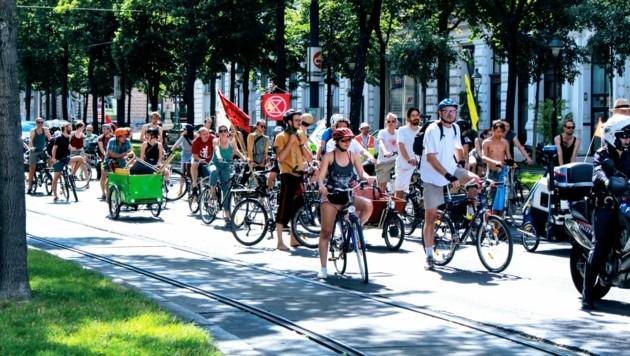 """Die Organisation """"Radeln for Future"""" startet am 6. August mit einer monatlichen Rad-Demo, um die besonders gefährlichen Straßen für Radfahrer aufzuzeigen. (Bild: Radeln for Future)"""
