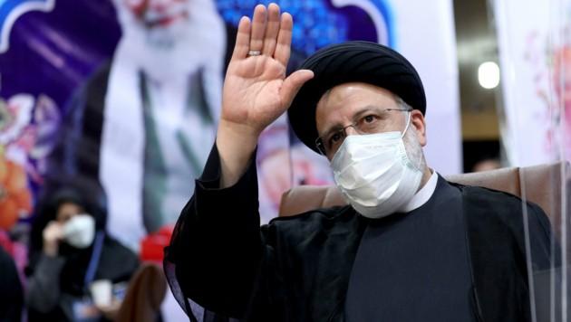 Ebrahim Raisi gilt als politischer Hardliner. (Bild: AP/Ebrahim Noroozi)