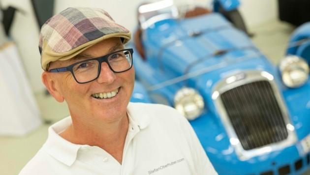 """""""Ihr Auto-Concierge"""" Stefan Oberhuber lebt seine Berufung. (Bild: Maurice Shourot)"""