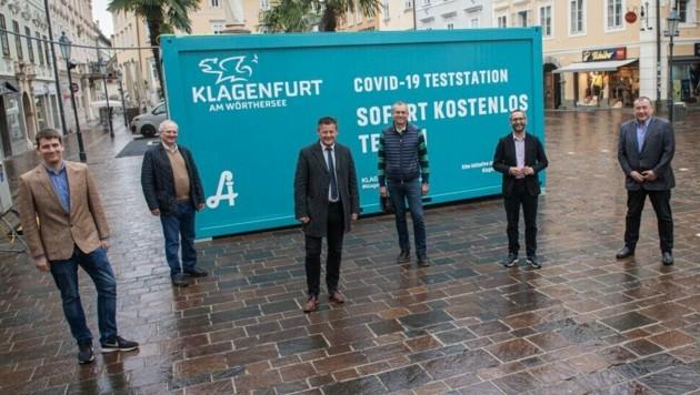 Künftig dient der Testcontainer auf dem Alten Platz von Donnerstag bis Samstag, in der Zeit von 20 bis 00 Uhr, als Unterstützung zur Kontrolle in der Nachtgastronomie. (Bild: Stadtkommunikation/Helge Bauer)