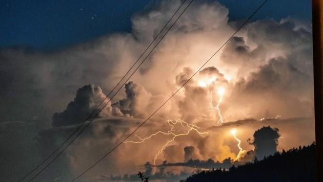 Wie eindrucksvoll! Doch ein Blitz kann durchaus auch ausgesprochen riskant sein. (Bild: Arbeiter Dieter)