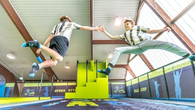 Um die Bewegung zu fördern, gibt es für Schulklassen und Sportvereine vergünstige Tarife (Bild: JUMP DOME)