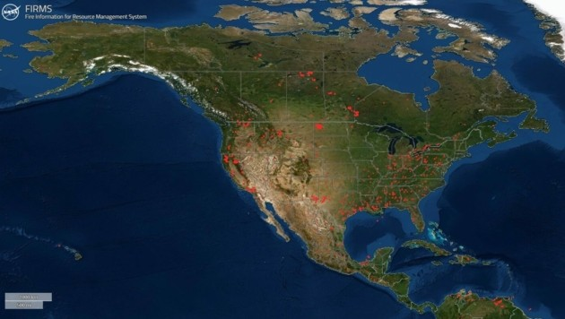 Brände, die in Nordamerika wüten (Bild: NASA)