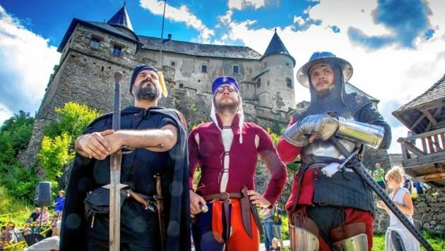 Am Vormittag ist Programm auf der Burg Hochosterwitz angesagt, ab 13 Uhr geht´s am Fuße der Burg rund. (Bild: Burg Hochosterwitz Kärnten)