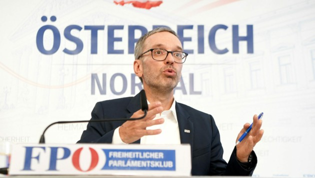 """FPÖ-Klubobmann Herbert Kickl stellte klar: """"Bleibe ungeimpft"""" (Bild: APA/ROLAND SCHLAGER)"""