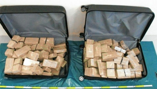 70 Kilo Heroin fand der Zoll im Diplomaten-Gepäck. (Bild: Zollamt Dresden)