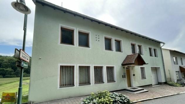 Die aufgelassene Polizeistelle in Neuhaus am Klausenbach sorgt für Diskussionen. (Bild: Christian Schulter)
