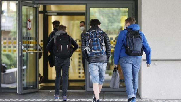 Mehr als 200 Schüler werden nächsten Herbst zum Lernen nicht in ein Schulgebäude gehen (Bild: Tschepp Markus)
