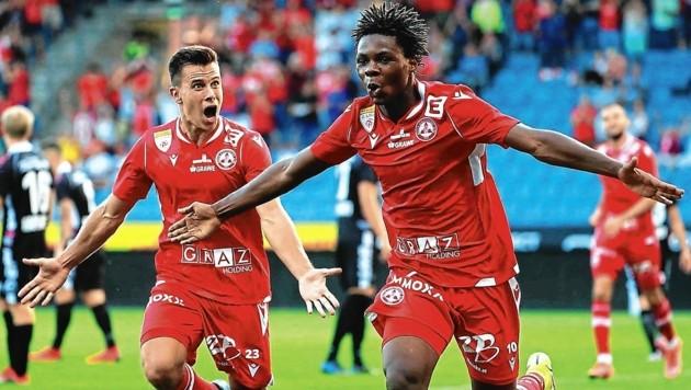 Mamadou Sangare (r.) traf zum 2:0 und ließ sich feiern. (Bild: GEPA pictures)