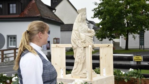 """Die """"Schöne Madonna"""" ist wieder in Mariapfarr. Am Sonntag feierte der Ort die Heimkehr. (Bild: Holitzky Roland)"""