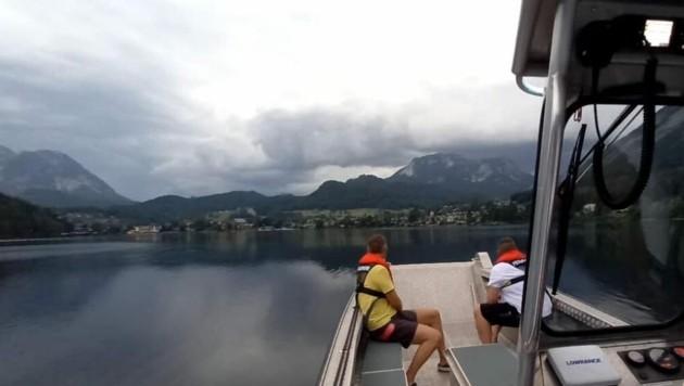 Die Wasserwehr Altaussee war mit dem Boot und acht Mann im Einsatz. (Bild: FF Altaussee)