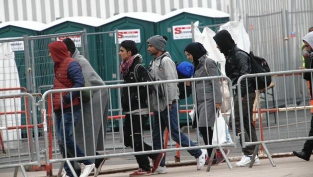 Es kommen wieder mehr Flüchtlinge in die Steiermark, die meisten in den Großraum Graz (Bild: KRONEN ZEITUNG)