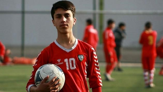 Zaki Anwari in jüngeren Jahren auf dem Fußballfeld - er soll es sein, der grausam im Fahrwerksschacht eines US-Frachtflugzeuges ums Leben kam. (Bild: https://www.facebook.com/zaki.anwari.756)