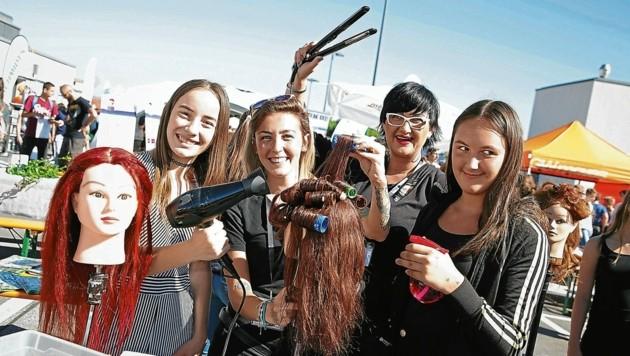 """Bei der """"Lehre On Air"""" können Jugendliche berufstypische Tätigkeiten selbst ausprobieren (Bild: Evelyn Hronek Kamerawerk)"""