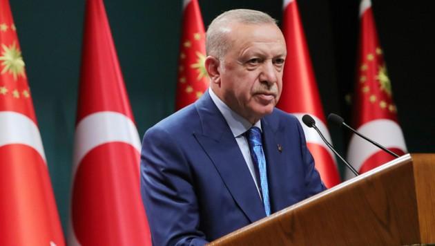 """""""Die Türkei hat nicht die Aufgabe, Verantwortung oder Verpflichtung, das Flüchtlingslager Europas zu sein"""", sagt der türkische Präsident Recep Tayyip Erdogan. (Bild: Turkish Presidency via AP)"""