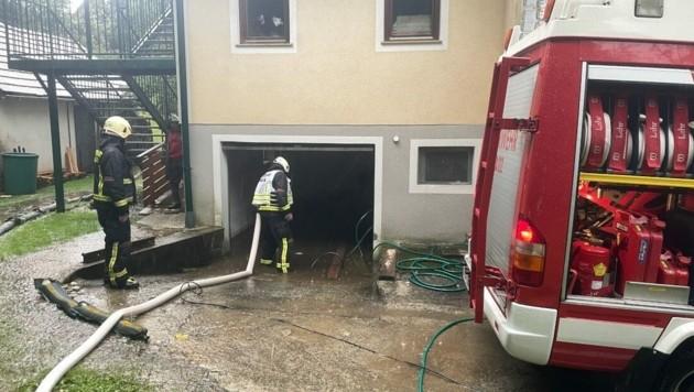 Keller wurden überflutet. (Bild: FF Pöllau)