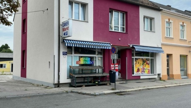 Vor diesem Haus fielen am Samstag in St. Pölten zwei Schüsse. (Bild: Weichhart)