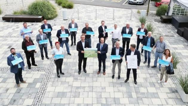 Fast alle Bürgermeister aus der Region machen mit. (Bild: Reinhard Judt)