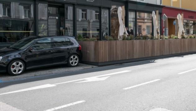 Überlanger Gastgarten in der Heiliggeiststraße (Bild: zeitungsfoto.at/Liebl Daniel)