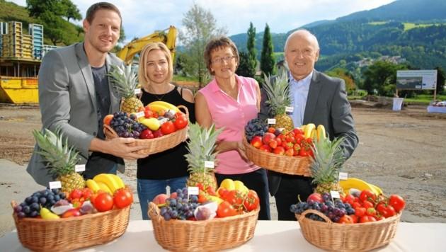 Die Familie Robitsch (René, Ramona, Veronika, Arno) investiert gewaltig. (Bild: Evelyn HronekKamerawerk)
