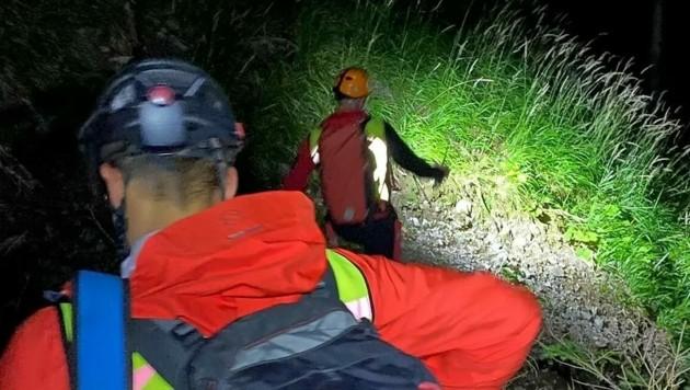 Erst gegen 21 Uhr wurden die beiden Frauen und der Hund gefunden. (Bild: Bergrettung Villach)