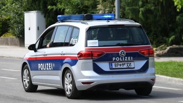 Mehrere Migranten und zwei Schlepper in Kastenwagen (Bild: P. Huber)