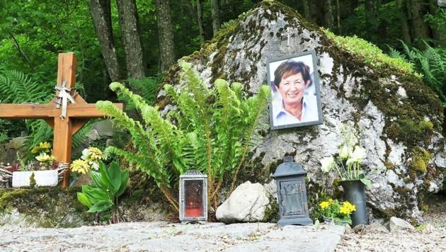 Von dieser Gedenkstätte Prokops in Maria Siebenbrünn stahlen Unbekannte ein Holzkreuz. (Bild: Gabriele Moser)