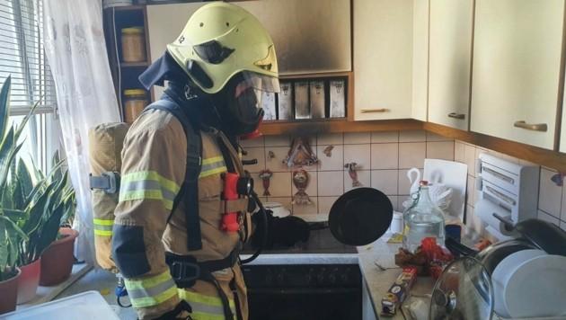 Die Berufsfeuerwehr Klagenfurt konnte den Küchenbrand in Kürze löschen (Bild: zVg/BF Klagenfurt)