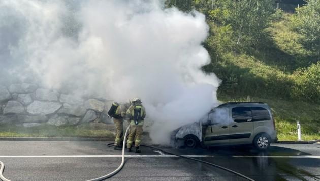 Die Feuerwehren Matrei und Schönberg standen im Einsatz. (Bild: zeitungsfoto.at/Liebl Daniel)