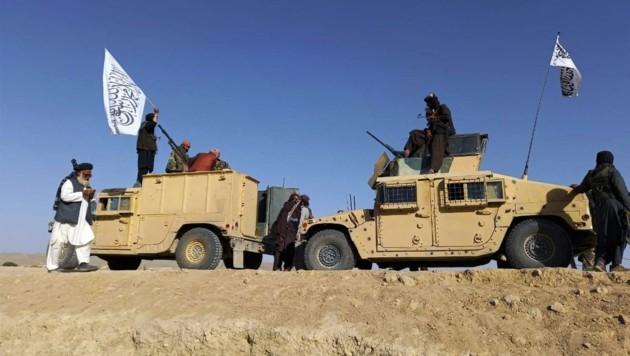 Das durch die Taliban in Afghanistan ausgelöste Chaos nützen Betrüger aus. Mit Mitleid wollen sie an Immobilien kommen. (Bild: viennareport.at/SalamPix/ABACA)