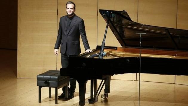 Francesco Piemontesi erzählt Geschichten mit dem Klavier. (Bild: Schubertiade)